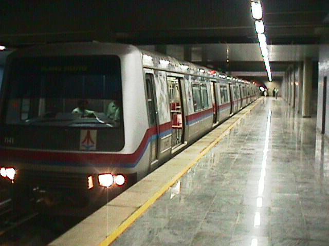 2004-Metro-Brasilia-TremEstaçãoCentral02