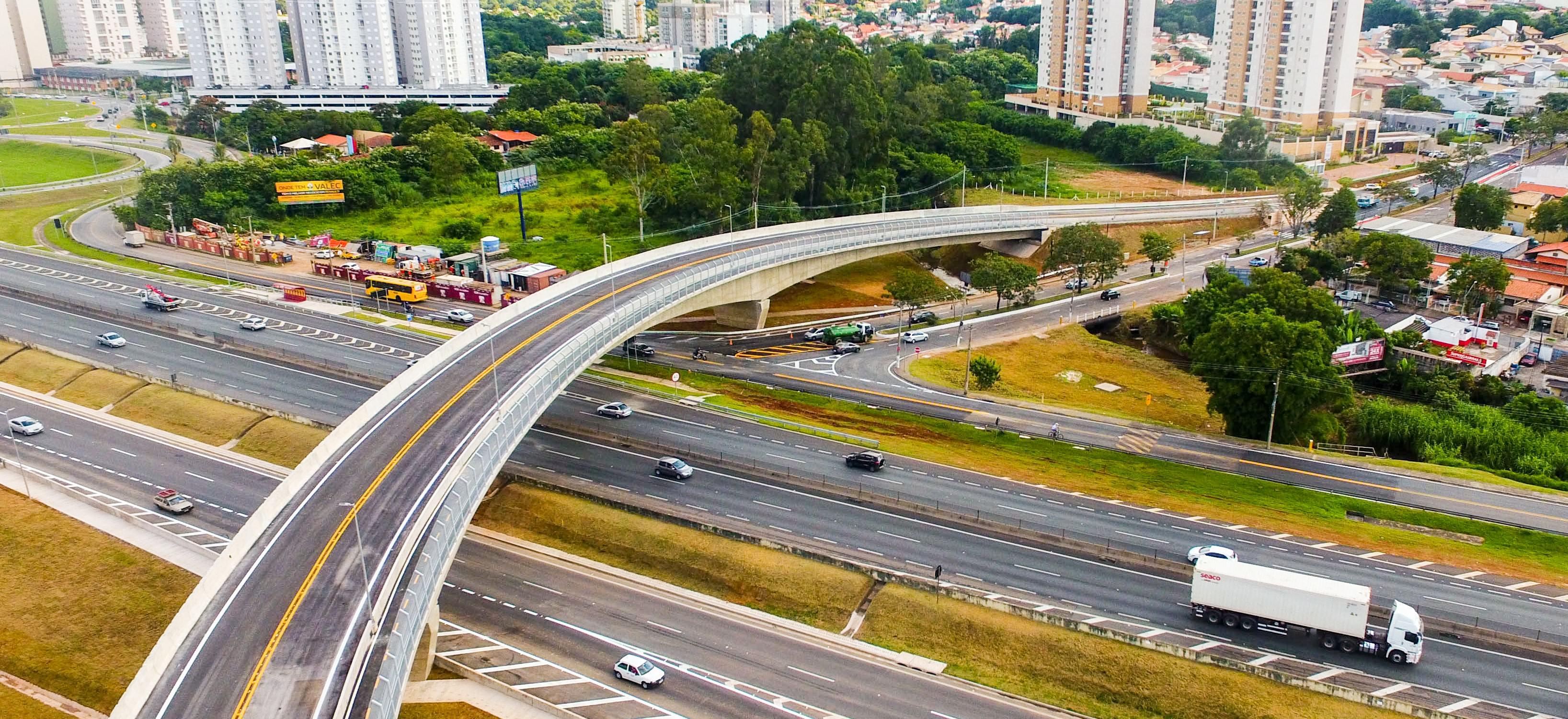 O governador do Estado de São Paulo, Geraldo Alckmin, participa da cerimônia de entrega do Viaduto das Valquírias no Complexo Jundiaí (SP-330) - Sentido Bairro-Centro. Local: Jundiaí/SP Data: 05/04/2018 Foto: Governo do Estado de São Paulo