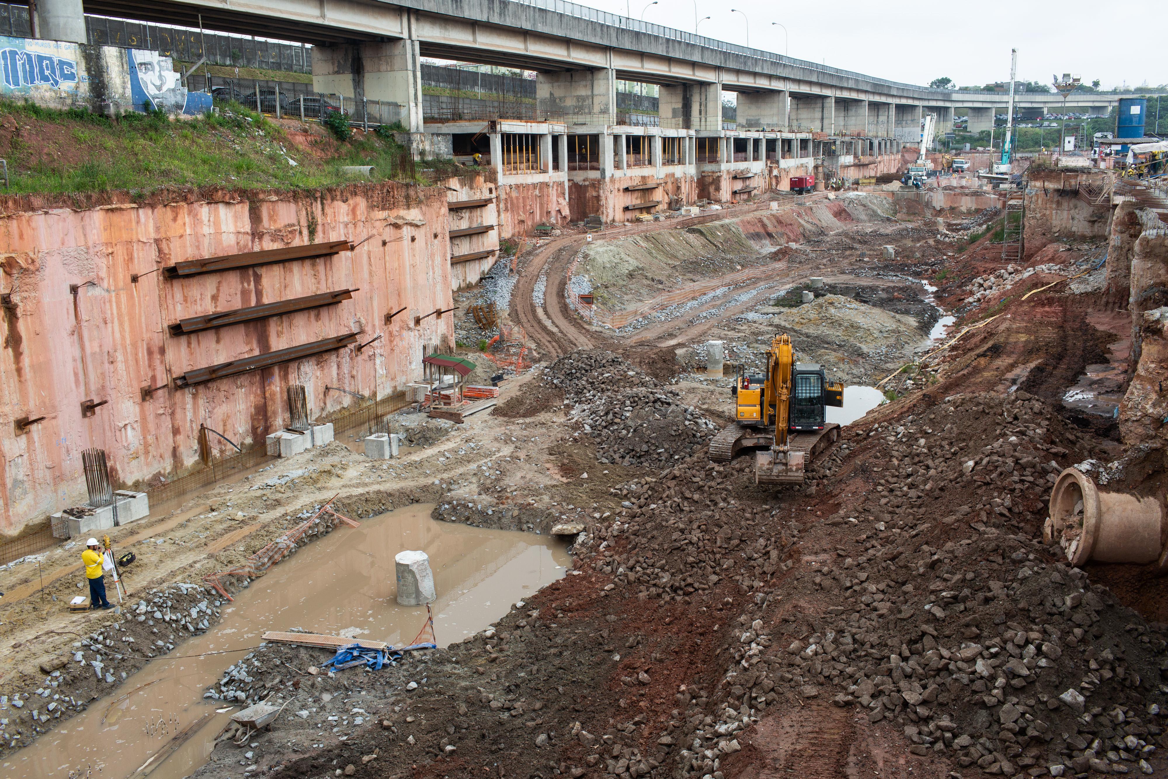 SAO PAULO, SP, BRASIL 28-09-2018: REVISTA TRANSFORMAÇÃO / CC INFRA: Canteiro de Obras do Terminal de Onibus em Itaquera.  (Diego Padgurschi /JeffreyGroup)